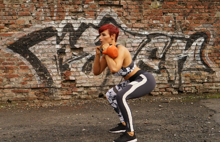 [Ultimate Squat Guide] 8 Squats you Need to Try with Kettlebells